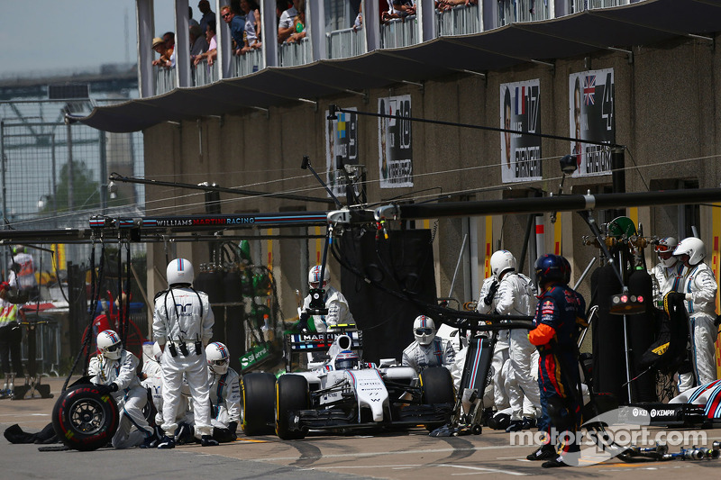 Valtteri Bottas, Williams FW36 effettua un pit stop