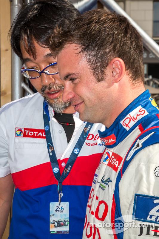 Hisatake Murata ve Nicolas Lapierre araçlarına hayranlık duyuyorlar