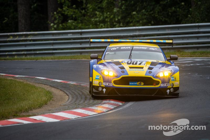 #007 Aston Martin Racing Aston Martin Vantage V12 GT: Stefan Mücke, Pedro Lamy, Darren Turner