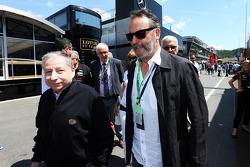 (Da sinistra a destra): Jean Todt, Presidente FIA con Jean Reno, attore