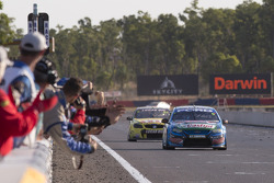 Mark Winterbottom, FPR Ford ottiene la vittoria