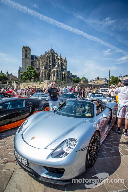 Supercars display: Porsche 918 Spyder