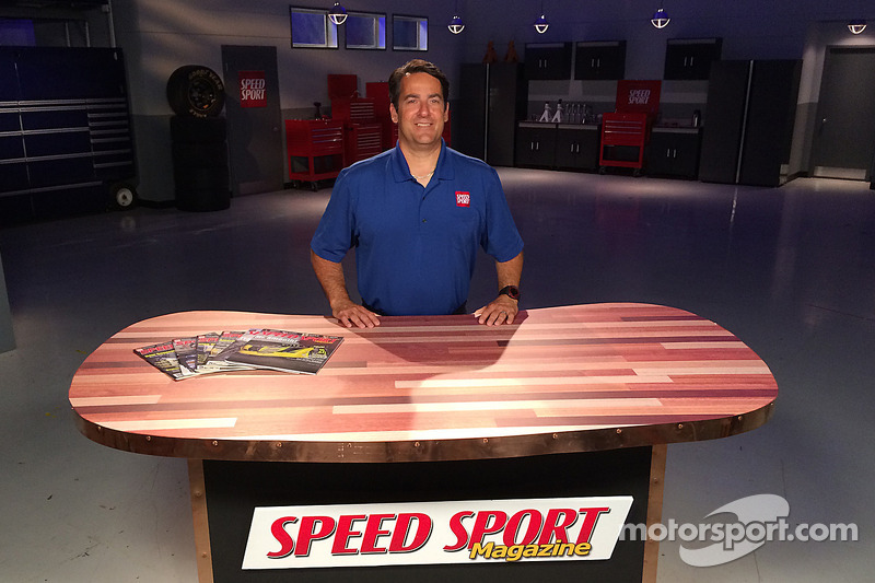 Ralph Sheheen on the set of Speed Sport Magazine