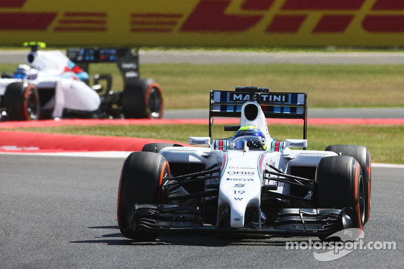 Felipe Massa, Williams FW36 leads Susie Wolff, Williams FW36 Development Driver