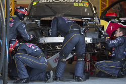 Trouble for Craig Lowndes, Red Bull Holden