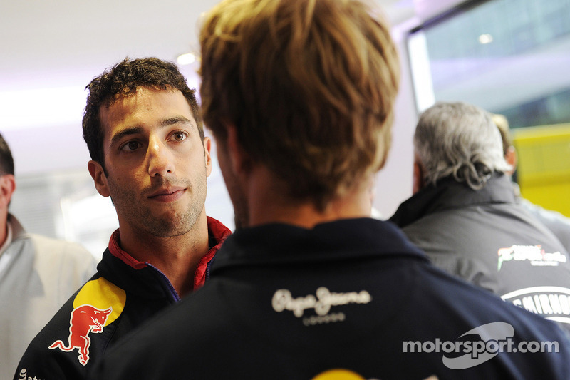 Daniel Ricciardo, Red Bull Racing ve takım arkadaşı Sebastian Vettel, Red Bull Racing