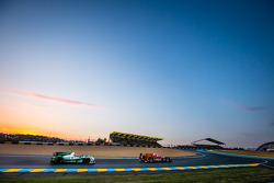 #34 Race Performance Oreca 03 - Judd: 米歇尔·弗莱, 弗兰克·马耶厄, 琼·兰卡斯特, #42 卡特汉姆 Racing Zytek Z11SN - 日产: 汤姆·金博-史密斯, 克里斯·戴森, 马修·麦克穆里