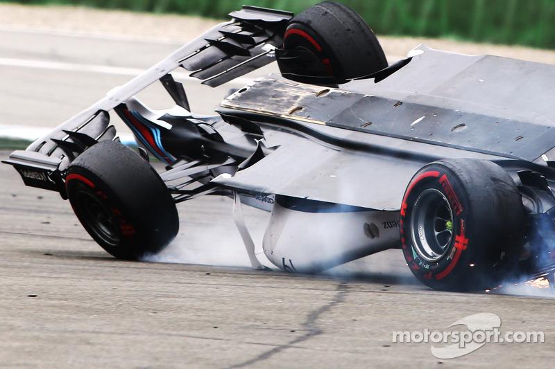 Felipe Massa, Williams F1 büyük bir kaza yapıyor