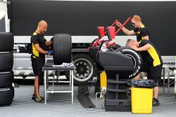 Construcción de neumáticos de Pirelli en el paddock