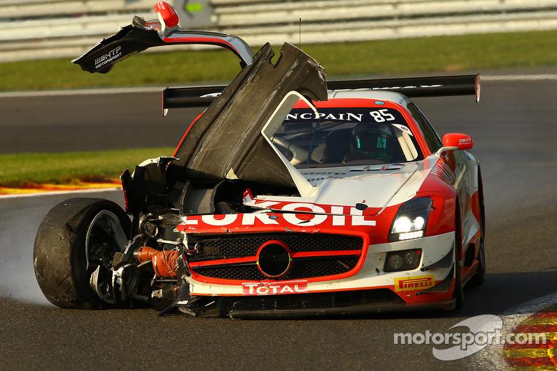 Problemi per # 85 HTP Motorsport Mercedes SLS AMG GT3: Lucas Wolf, Sergei Afanasiev, Stef Dusseldorp