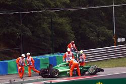 Marcus Ericsson, Caterham CT05, se acidenta e dá o fora da corrida
