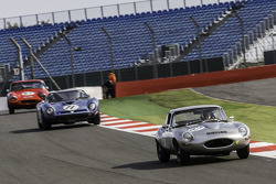 #67 Jaguar E-type: Bernard Wilhelm, J. Grandidier