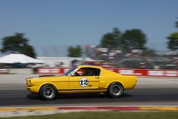 #12 1965 福特 野马 GT: 约翰·萨法罗