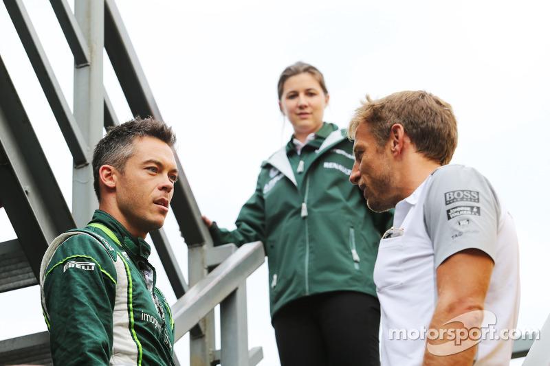 (I a D): Andre Lotterer, Caterham F1 Team, con Jenson Button, McLaren