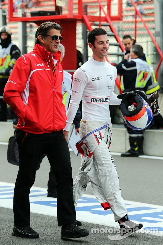 Graeme Lowdon, Geschäftsführer Marussia F1 Team; Alexander Rossi, Marussia F1 Team