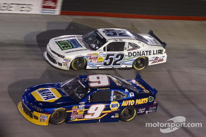 Chase Elliott ve Joey Gase