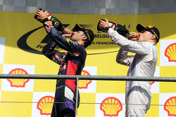 (L to R): Race winner Daniel Ricciardo, Red Bull Racing celebrates with third placed Valtteri Bottas, Williams