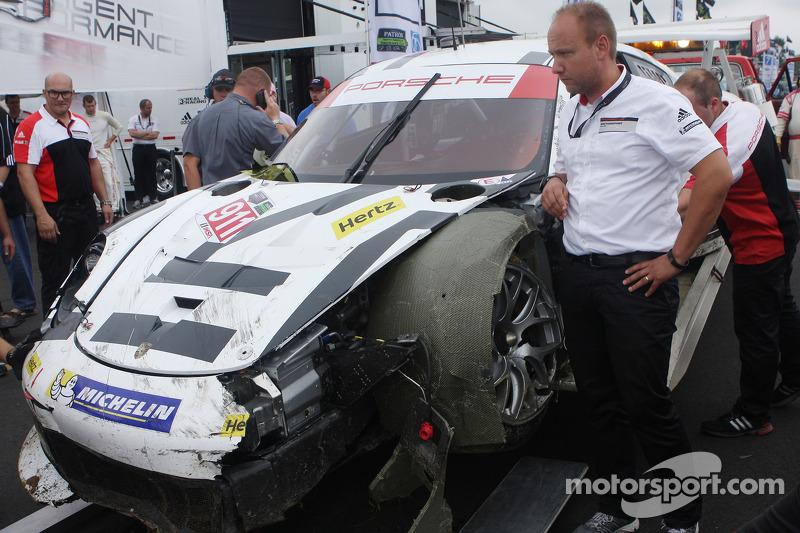 #911 Porsche North America Porsche 911 RSR: Nick Tandy, Richard Lietz, danneggiata