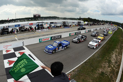 Start: Alex Tagliani leads