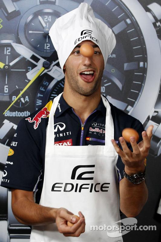 Casio Edifice Lansmanı, Red Bull Enerji İstasyonu'nda, Daniel Ricciardo, Red Bull Racing