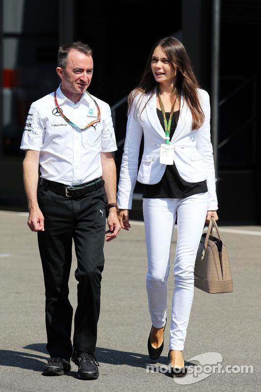 Paddy Lowe, Diretor Executivo da Mercedes AMG F1, com sua esposa Anna Danshina