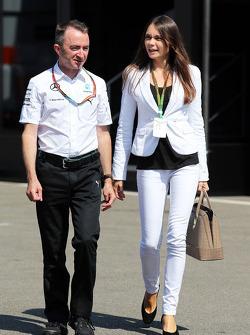 Paddy Lowe mit Frau Anna Danshina