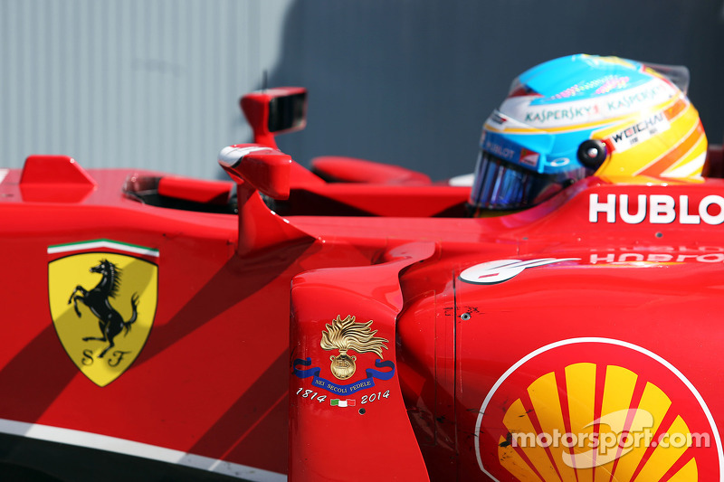 Fernando Alonso, Ferrari F14-T kapalı parkta