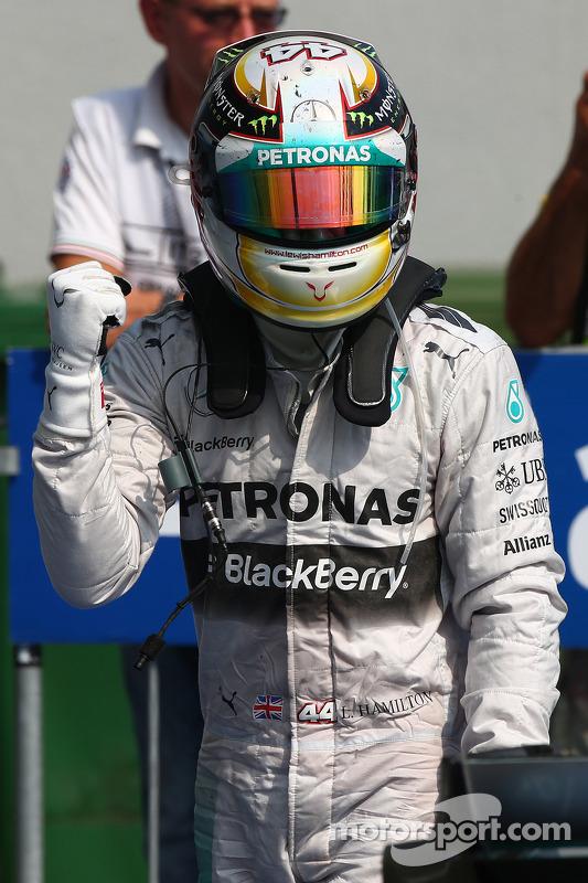 Vencedor da corrida Lewis Hamilton, Mercedes AMG F1