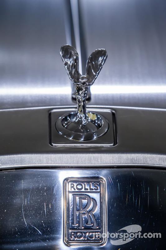Spirit of Ecstasy sulla Rolls-Royce Phantom Drophead Coupé