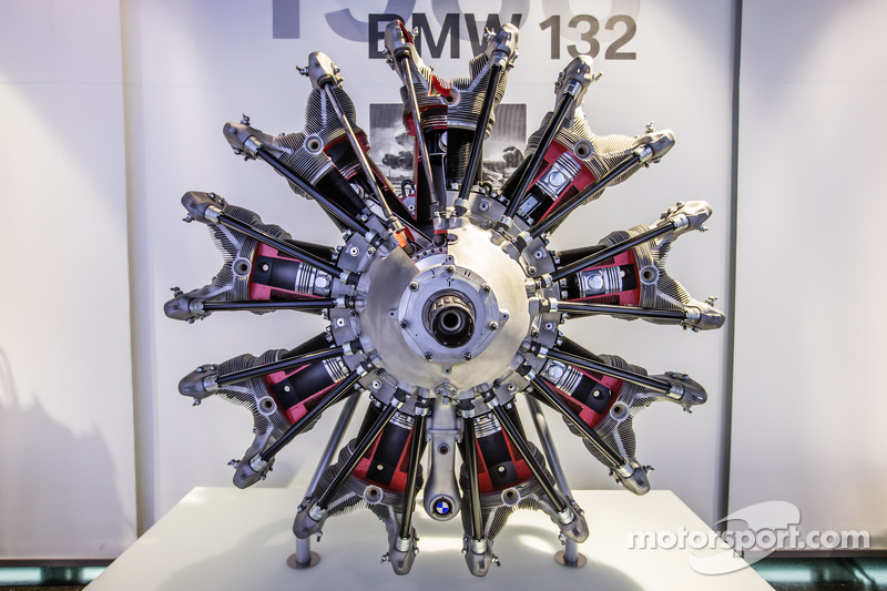 1933 BMW 132 airplane engine