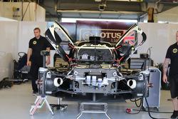 #9 Lotus CLM P1/01 - AER: 克里斯托弗·布舒, 詹姆斯·罗斯特, 卢卡斯·奥亚