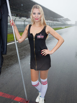 A wet grid girl