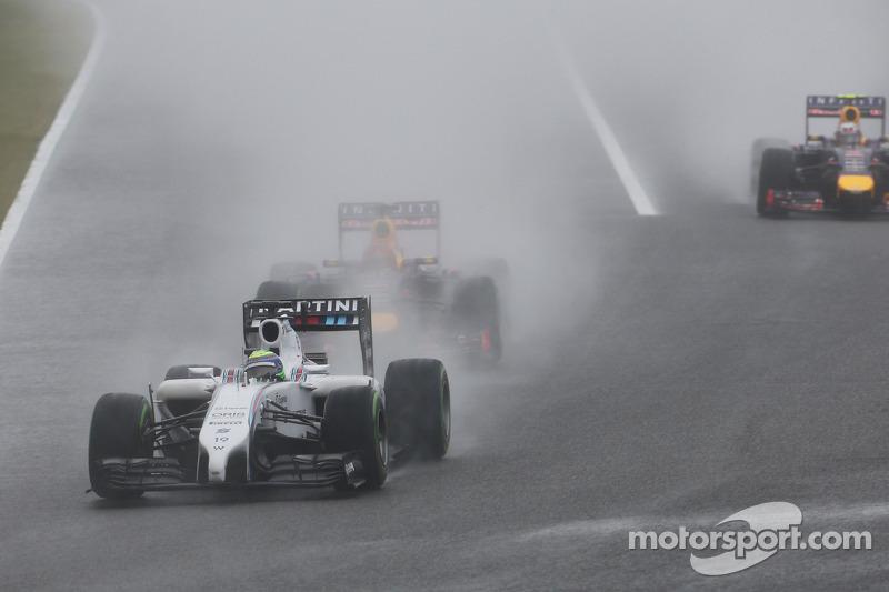 Felipe Massa, Williams FW36 ve Sebastian Vettel, Red Bull Racing RB10