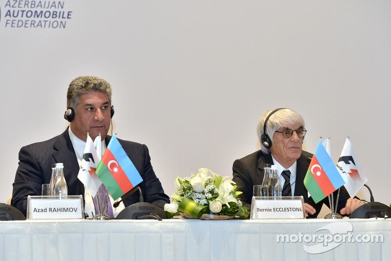 Azad Rahimov, Azerbaijan Azerbaiyán Ministro de juventud y deportey  Bernie Ecclestone, CEO de Fórmula Uno