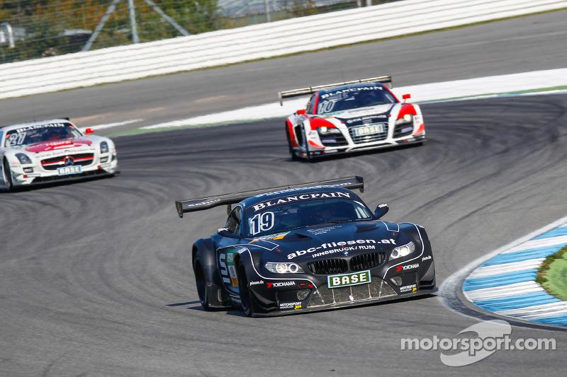 #19 PIXUM Team Schubert BMW Z4 GT3: Dominik Baumann, Claudia Hürtgen