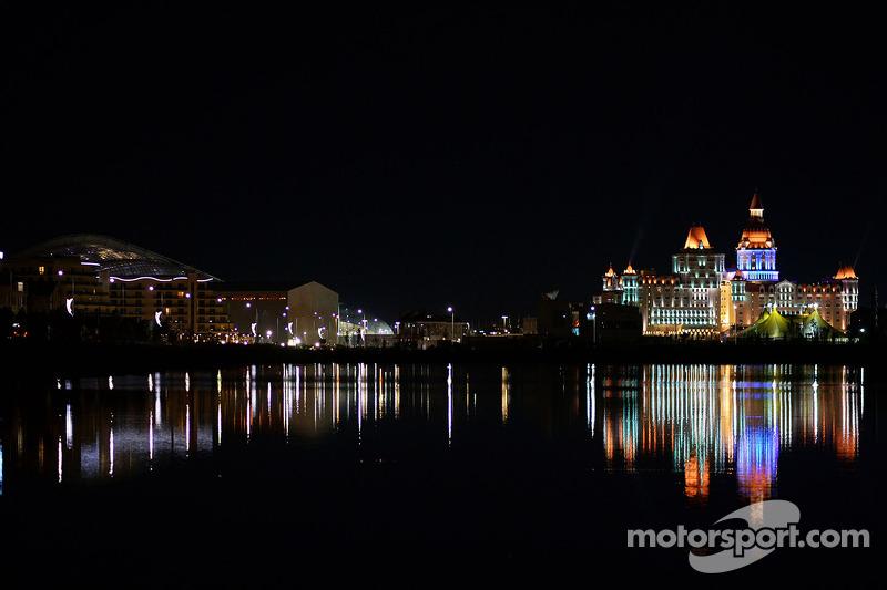 Sochi bei Nacht