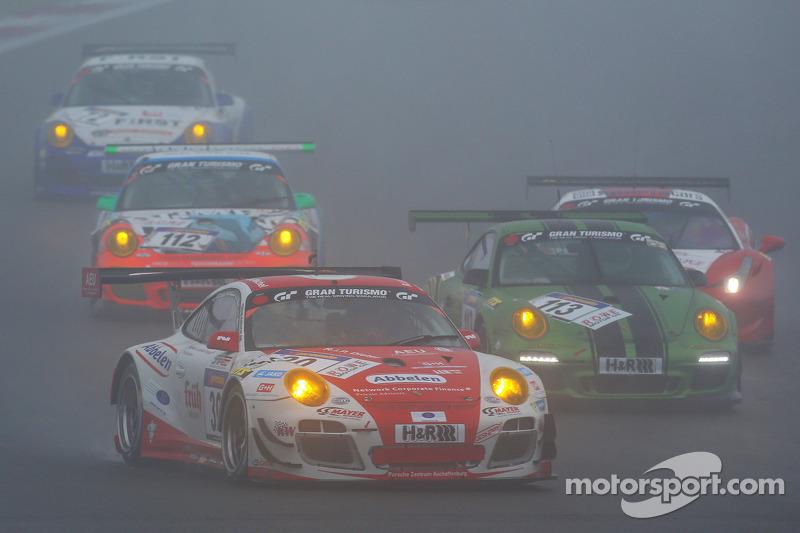 #30 Frikadelli Racing Team 保时捷 911 GT3 R: 萨宾·施密茨, 帕特里克·许士文, 弗兰克·斯提皮勒, 克劳斯·阿比伦