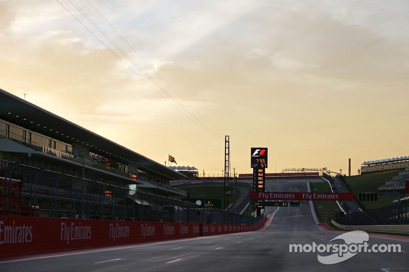 El circuito en el amanecer