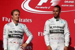 segundo colocado Nico Rosberg, Mercedes AMG F1 W05 e o primeiro, Lewis Hamilton, Mercedes AMG F1