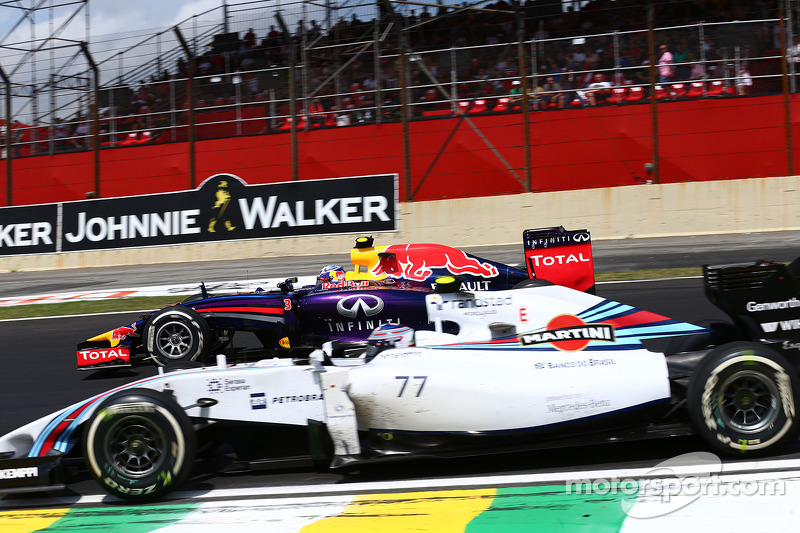 Daniel Ricciardo, Red Bull Racing RB10 and Valtteri Bottas, Williams FW36