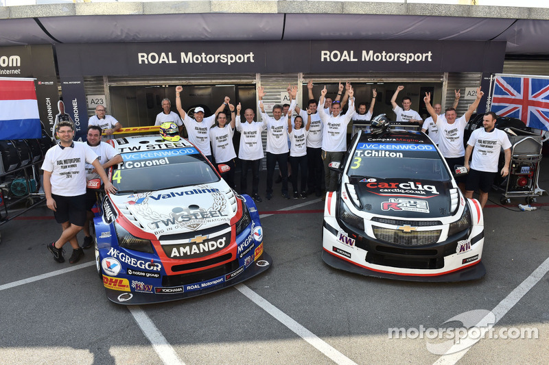 El ganador del trofeo Yokohama Roberto Ravaglia, Team Roal Motorsport