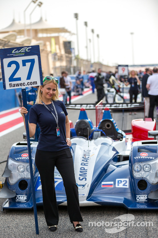 Grid girl with the #27 SMP Racing Oreca 03R - Nissan: Sergey Zlobin, Nicolas Minassian, Maurizio Mediani