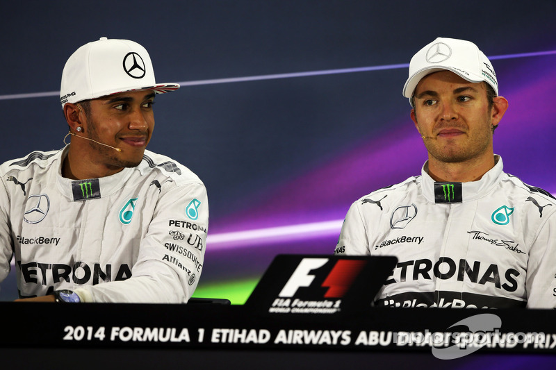 (L to R): Lewis Hamilton, Mercedes AMG F1 with team mate Nico Rosberg, Mercedes AMG F1 in the FIA Press Conference