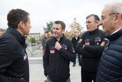Dany Boon, actor francés, y Romain Dumas