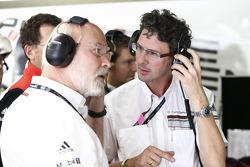 Olaf Manthey, capo della squadra Porsche Team Manthey e Dr.Frank-Steffen Walliser