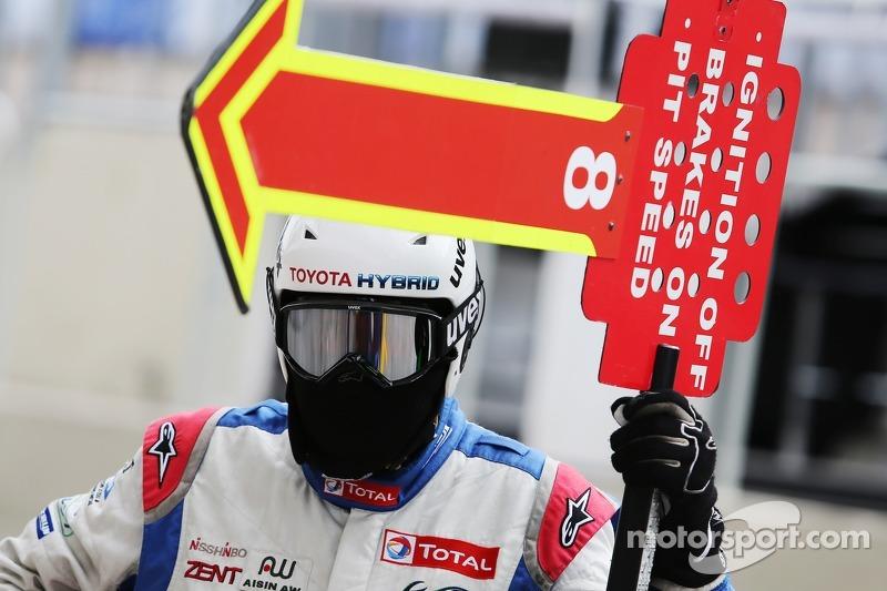 #8 Toyota Racing Toyota TS040-Hybrid: Anthony Davidson, Sebastien Buemi