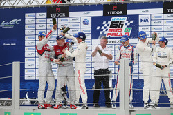 Podium: race winners Neel Jani, Romain Dumas, Marc Lieb, second place Anthony Davidson, Sebastien Buemi, third place Lucas di Grassi, Loic Duval, Tom Kristensen