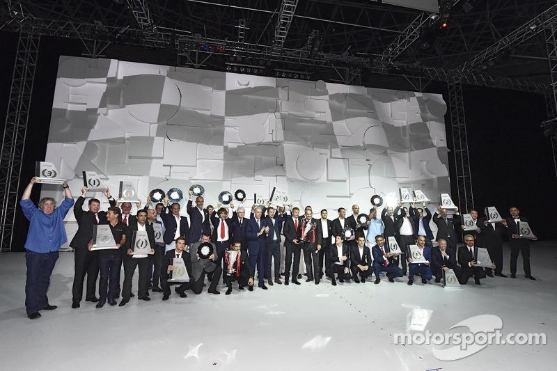 Foto de grupo de los pilotos
