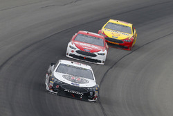 Kevin Harvick, Stewart-Haas Racing, Ford Fusion Jimmy John's, Ryan Blaney, Team Penske, Ford Fusion DEX Imaging and Joey Logano, Team Penske, Ford Fusion Shell Pennzoil