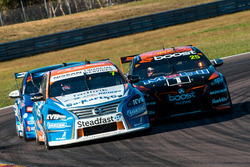 Andre Heimgartner, Nissan Motorsport Nissan James Courtney, Walkinshaw Andretti United Holden